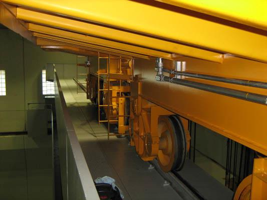 bridge-crane-trucks